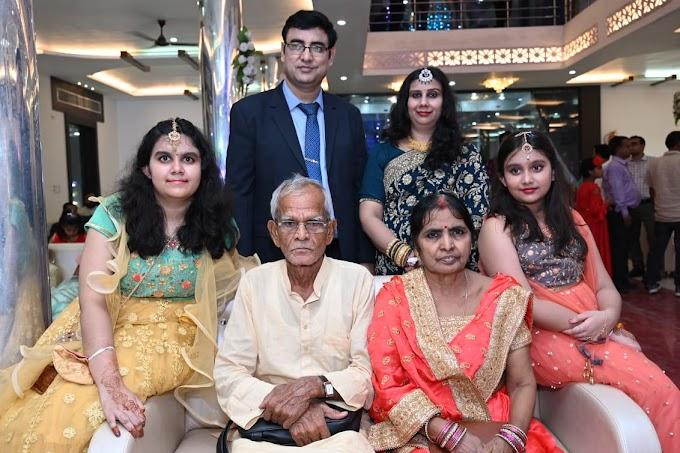 तीन पीढ़ियों संग हिंदी के विकास में जुटे हैं पोस्टमास्टर जनरल