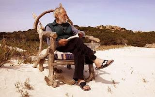 Mauro Morandi: Ο άνθρωπος που ζει μόνος του σε ένα νησί τα τελευταία 28 χρόνια