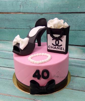 tort z butem