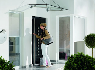Na co zwrócić uwagę wybierając drzwi frontowe do domu?