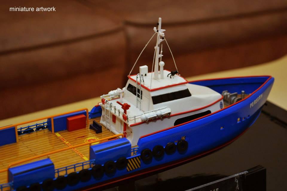 tempat jual miniatur kapal crew boat cb peregrin milik pt baruna raya logistics bergaransi