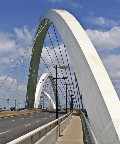 juscelino-kubitschek-bridge-brasilia-brasil-curiosidades-arquitectura-puentes-ingenieria