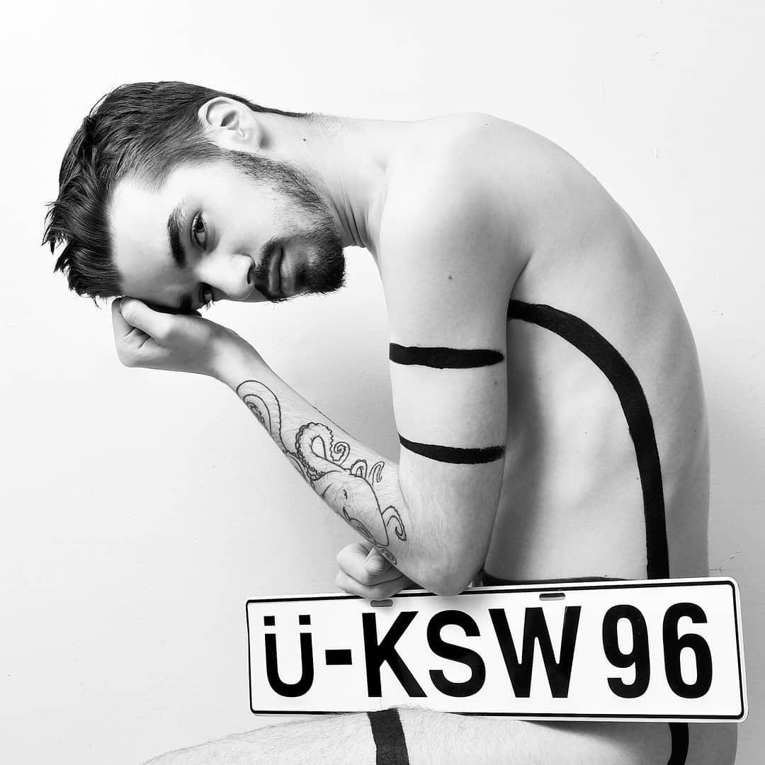 Ü-KSW96, by ph0t0mtl ft Alex.