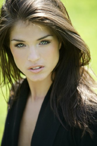 marie avgeropoulos pictures