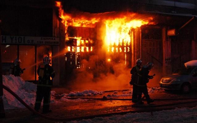 Τραγωδία στις Σέρρες: Πυρκαγιά από σόμπα – Απανθρακώθηκε ηλικιωμένος