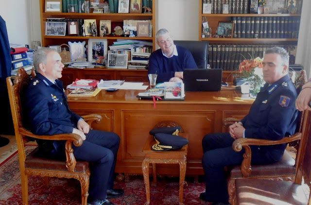 Συνεργασία του Περιφερειάρχη Αλεξ. Καχριμάνη με τον Συντονιστή Επιχειρήσεων του Αρχηγείου Πυροσβεστικού Σώματος Σπ. Βαρσάμη