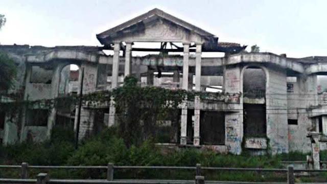 Bangunan Angker di Indonesia