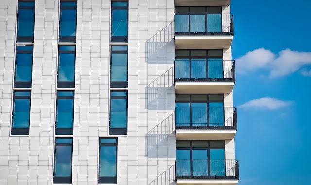 Alt.Estate adalah sebuah perusahaan yang menawarkan protokol untuk investasi real estate dalam bentuk token ERC20. Menggunakan teknologi blockchain,