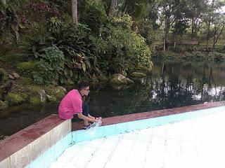 Kolam Mata Air Sumber Salak