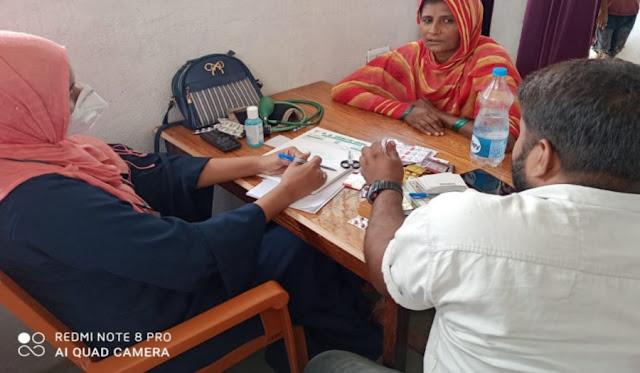 बाढ़ प्रभावित क्षेत्रों में नि: शुल्क मेडिकल कैम्प लगा स्वास्थ्य की हुई जांच