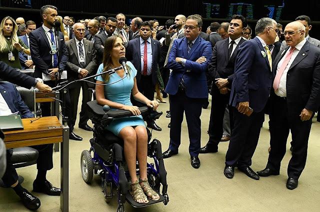 Parlamentares criticam projeto que muda Lei das Cotas para Pessoas com Deficiência