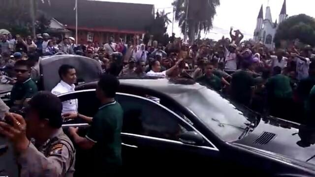 Pengen Tahu Luarbiasanya Masyarakat Siantar Menyambut Presiden Jokowi, Lihat Videonya, Pecah! Bikin Histeris...