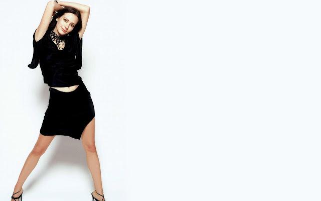 Amy Acker Hot