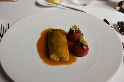 Maquereau/tomates à l'anchoïade restaurant le Gabriel (8 ème).