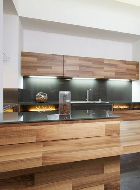 Kitchen Partes is made of small pieces of oak veneer