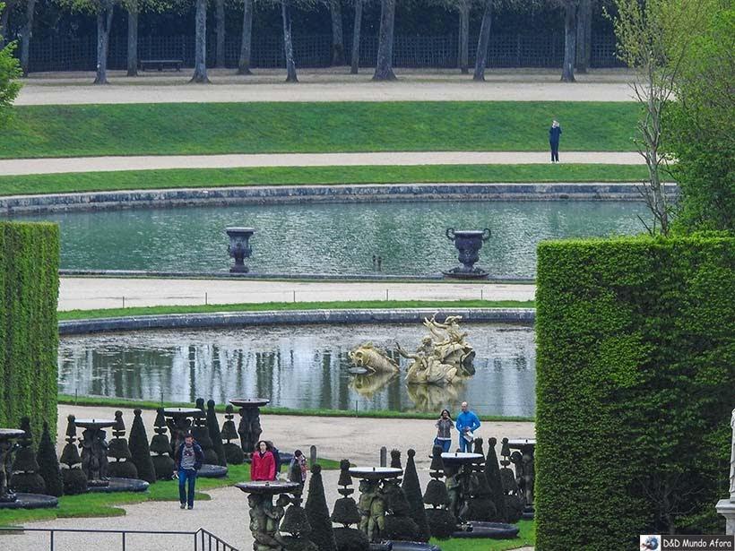 Detalhe do lago nos Jardins do Palácio de Versalhes