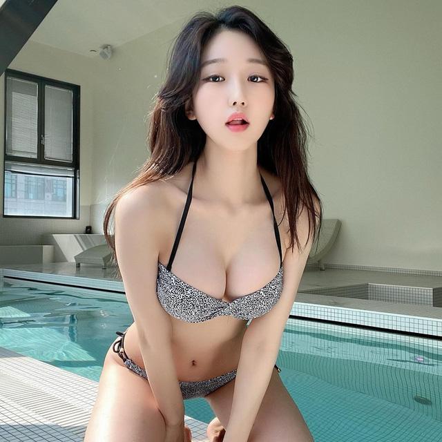 Chuyên phát sóng nội dung 18+ nữ streamer xinh đẹp thu về gần 6 ty tiền donate chỉ trong gần 1 năm
