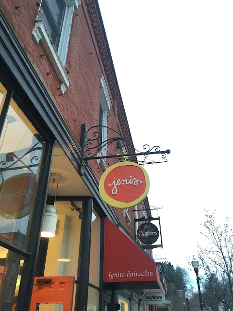 Venture & Roam: Jeni's Splendid Ice Cream in Chagrin Falls