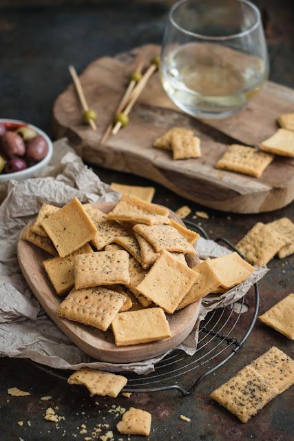 Crackers, biscuits salés pour l'apéritif