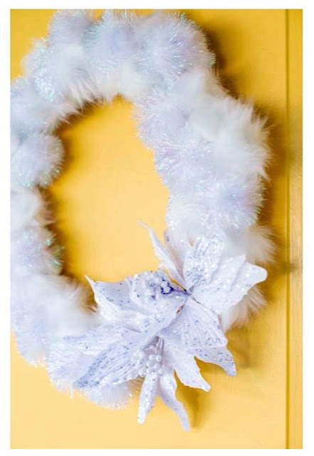 DIY Snowball Wreath Tutorial