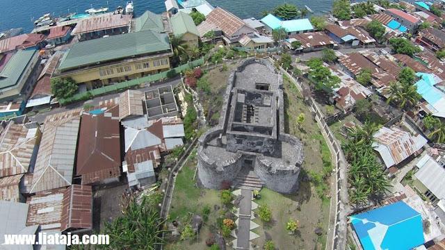 Foto Megahnya Benteng Tolukko dari atas