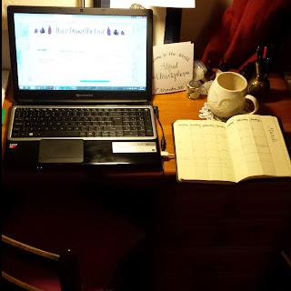 Alice Draws The Line :: Workspace desk