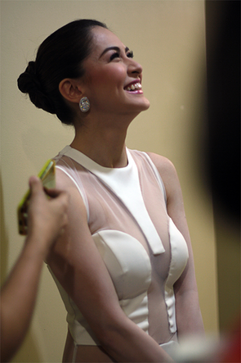 marian rivera sexy cleavage pics 01