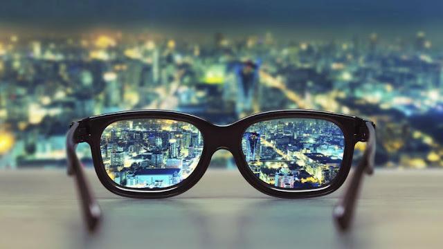 فيسبوك تقوم بتطوير نظارات ذكية لكي تحل محل هاتفك