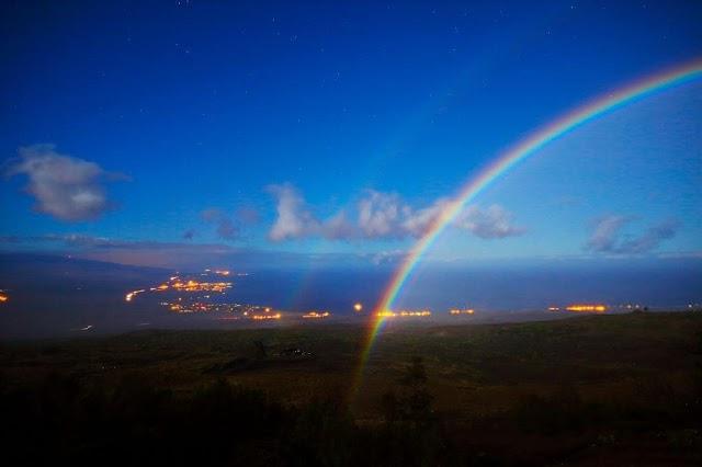 Moon rainbow, eternal lightning and 3 mesmerizing surreal phenomena