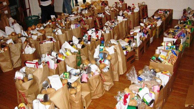 Διανομή προϊόντων του προγράμματος Επισιτιστικής Βοήθειας του ΤΕΒΑ σε δικαιούχους του Νομού Έβρου