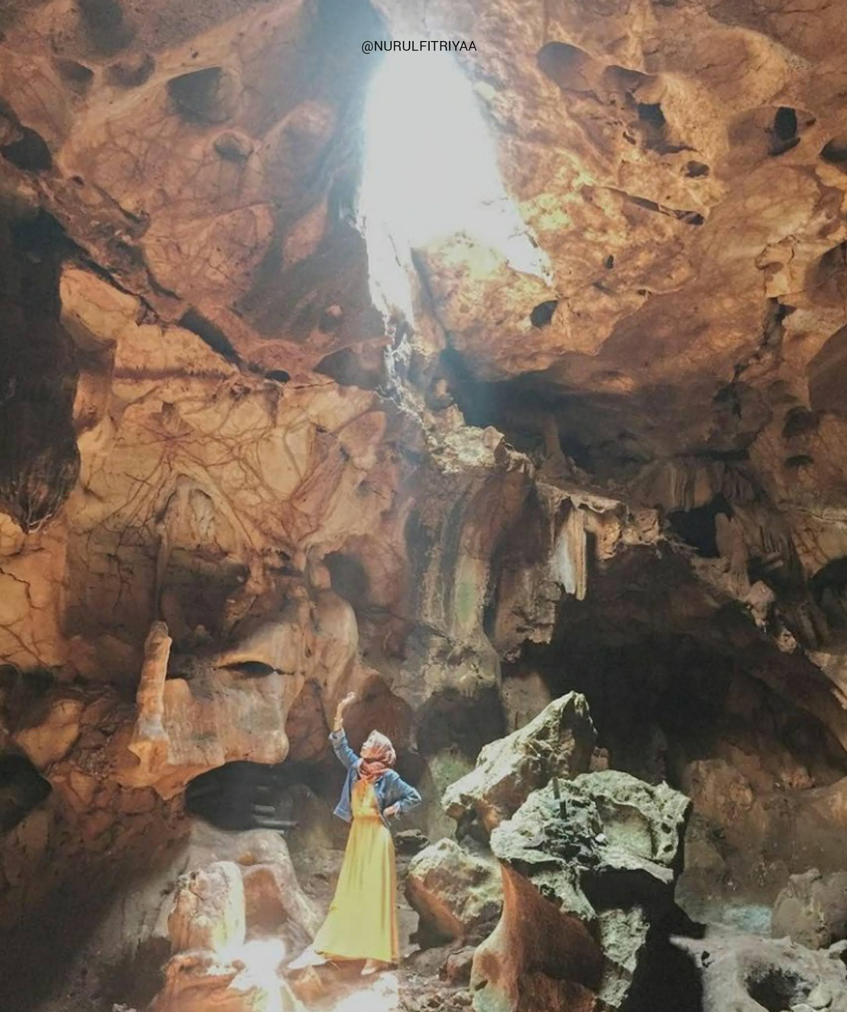 Destinasi tempat wisata Goa Putri di jawa timur