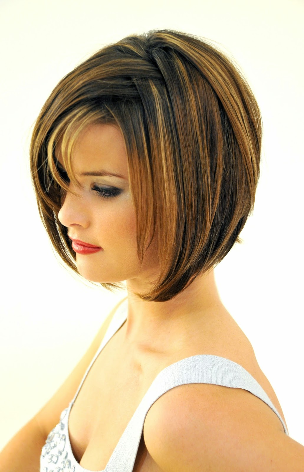 layered bob hairstyles for chic and beautiful looks the haircut web. Black Bedroom Furniture Sets. Home Design Ideas