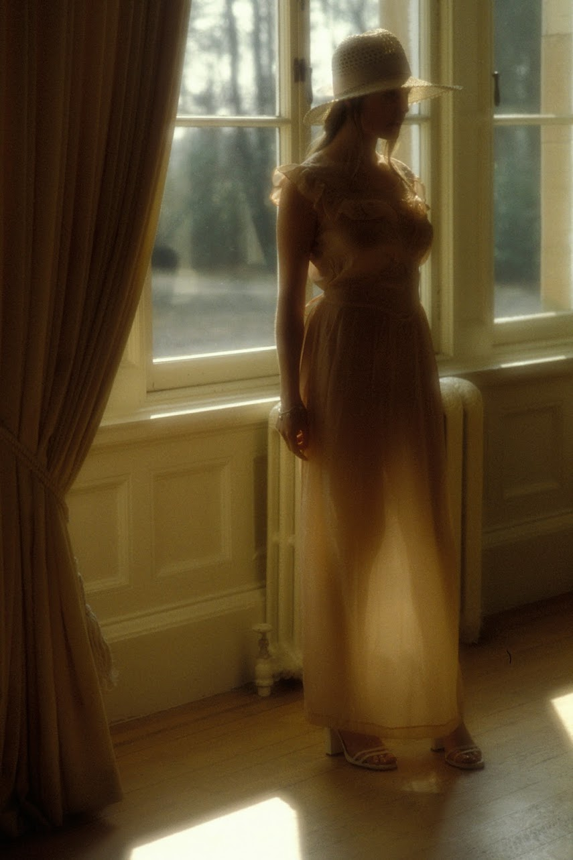 20041210_-_Sara_A_-_Glimpse_Of_A_Model Met-Art 20041211 - Allison - Canterbury - by Yerbury