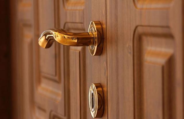 Khóa cửa an toàn - mẹo giúp bảo vệ căn nhà khỏi trộm