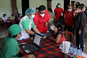 Bupati Sanjaya Road Show Pantau Pelaksanaan Vaksinasi di Beraban, Jatiluwih dan Candi Kuning