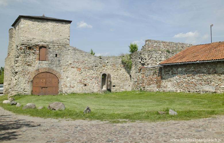 romańskie opactwo Cystersów w Sulejowie
