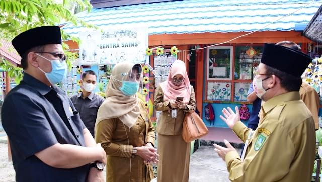 Ketua DPRD Kab.Bengkalis Ikut Tinjau Sekolah Tatap Muka bersama Satgas Covid-19