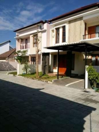 Rumah Lux Baru 2 Lantai Kawasan Exclusive Barat Malioboro Kodya