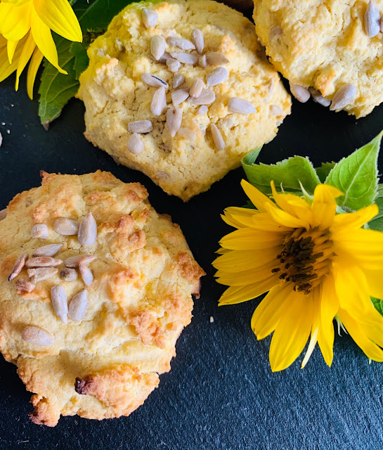 Sonnenblumen-Kekse #Rezept #glutenfrei #vegan, Maismehl, Backrezept, schnell, einfach, leicht, Sonnenblumenöl, Sonnenblumenkerne, Franz & Co