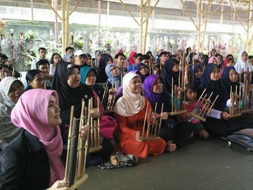 Pertunjukan seni budaya Hotel di Bandung