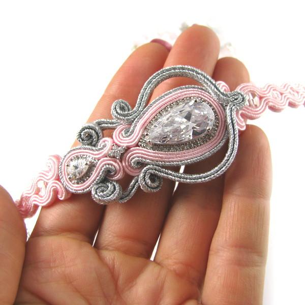 Różowa bransoletka ślubna sutasz.