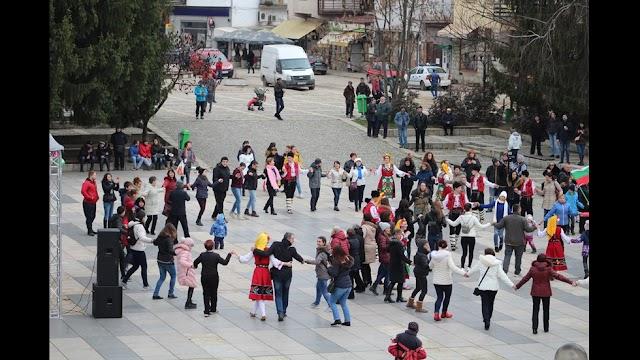 Община Тетевен отбеляза 3 март (СНИМКИ)