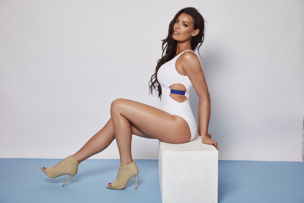 Jessica Wright for Australian Gold UK