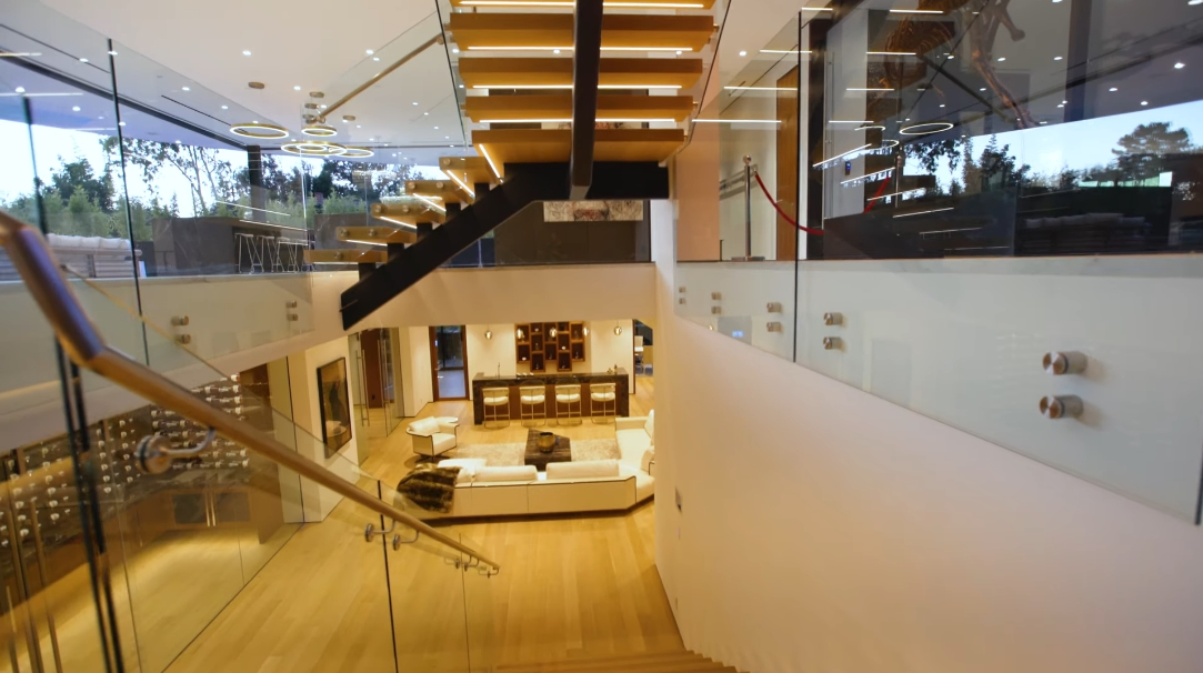 60 Photos vs. 1300 Beverly Estates Dr, Beverly Hills, CA Interior Design Ultra Luxury Mansion Tour