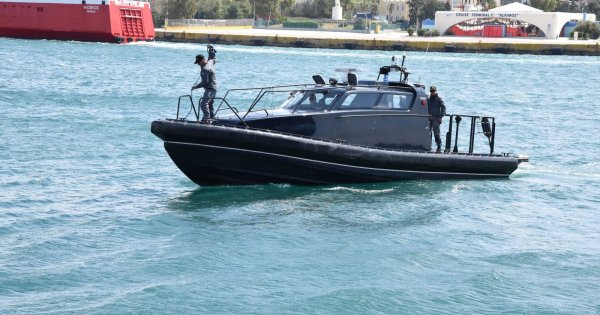 Λιμενικό: Διέφυγε και αναζητείται ο χειριστής του φουσκωτού μετά την θανατηφόρα σύγκρουση με την ξύλινη βάρκα