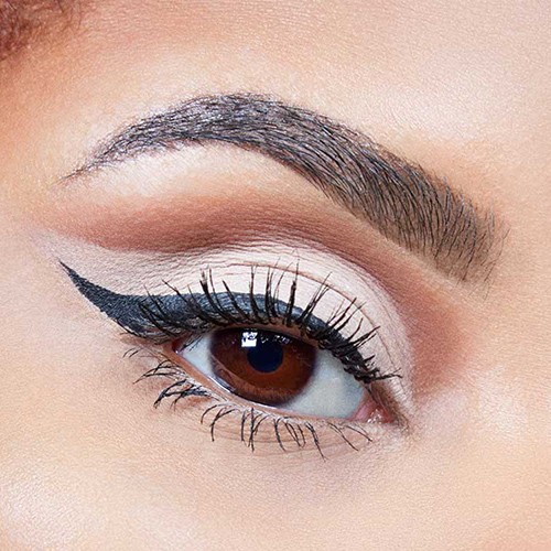 Tendencia de maquillaje 2021 Cut Crease