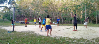 Jaga Kebugaran Anggota Denzibang 1/Sintang dengan berolahraga bermain Bola Volly