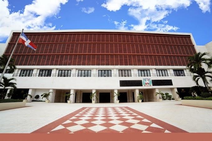 Senadores PLD acuerdan presentar proyecto reforma constitucional esta tarde