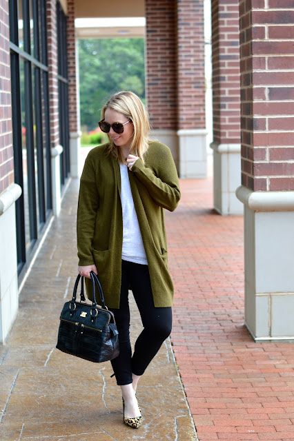 olive-green-cardigan-outfit