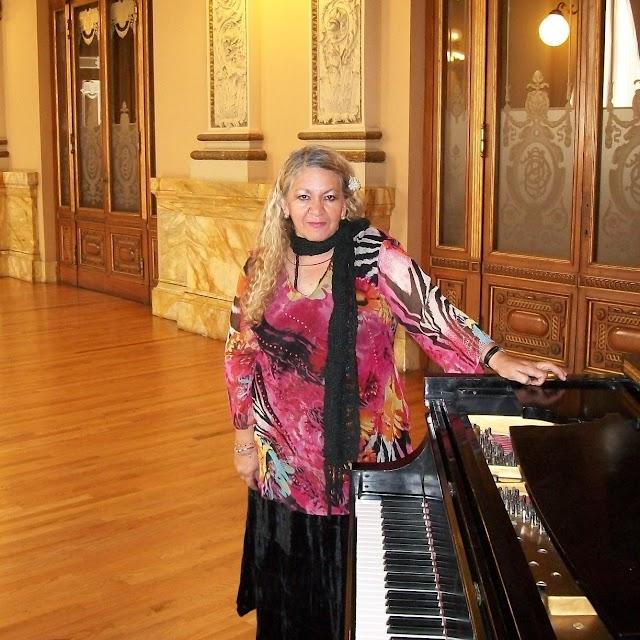 Murió la maestra del piano Tere Landeros .
